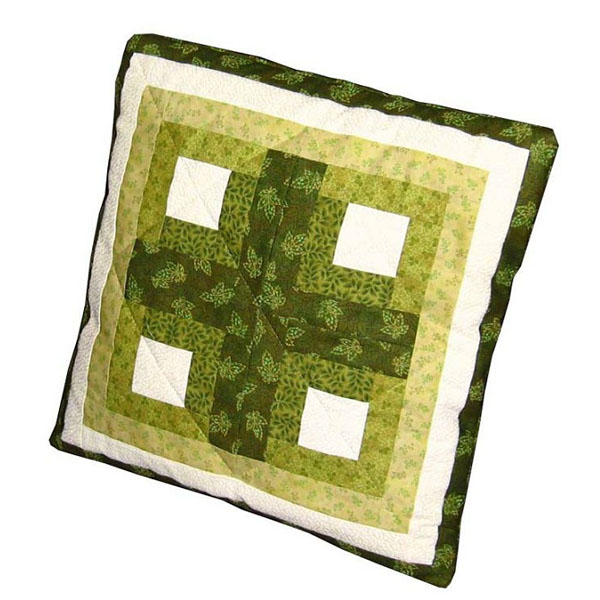 Log cabin cushion cover free quilt pattern