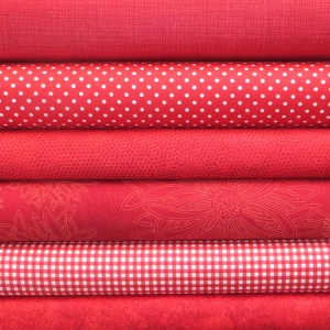 Red colour coordinates 6 fat quarter pack