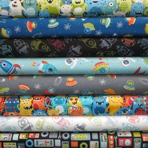 Makower Outer Space 8 fat quarter pack